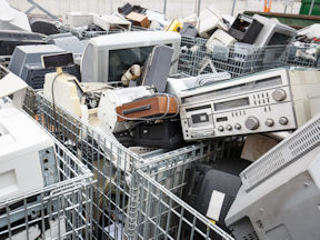 Researchers raise concerns for worker health in Ontario's e-waste sector